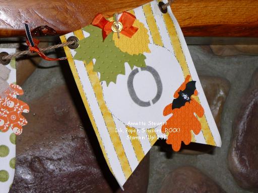 Boo leaf banner1